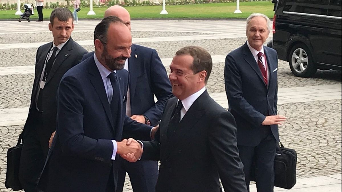 Le Russe Dmitri Medvedev rencontre Edouard Philippe au Havre