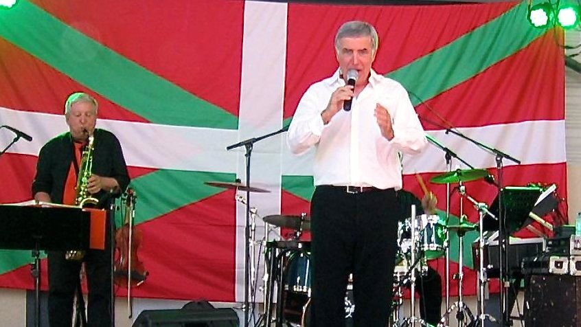 Le chanteur basque Michel Etcheverry