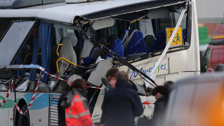 Accident de Rochefort : les images du bus après l'accident