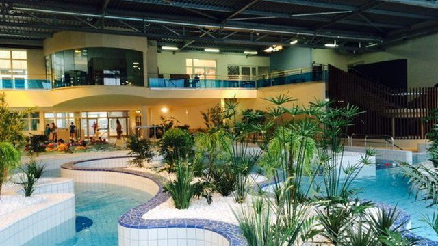 Brive la pisc ne est ouverte france 3 limousin for Piscine ussel