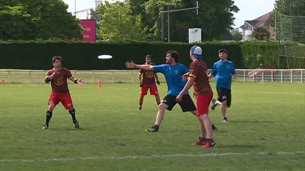 Pau : L'ultimate frisbee c'est fun, mixte et fairplay