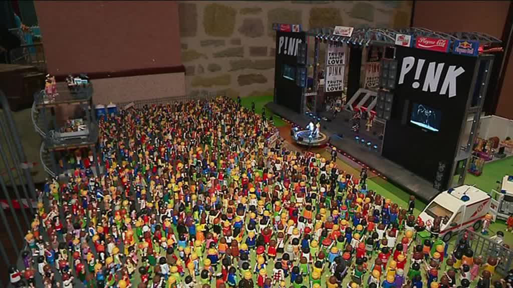 PINK en concert au Brive Festival, c'est possible, avec les Playmobil ! / © France 3 Limousin