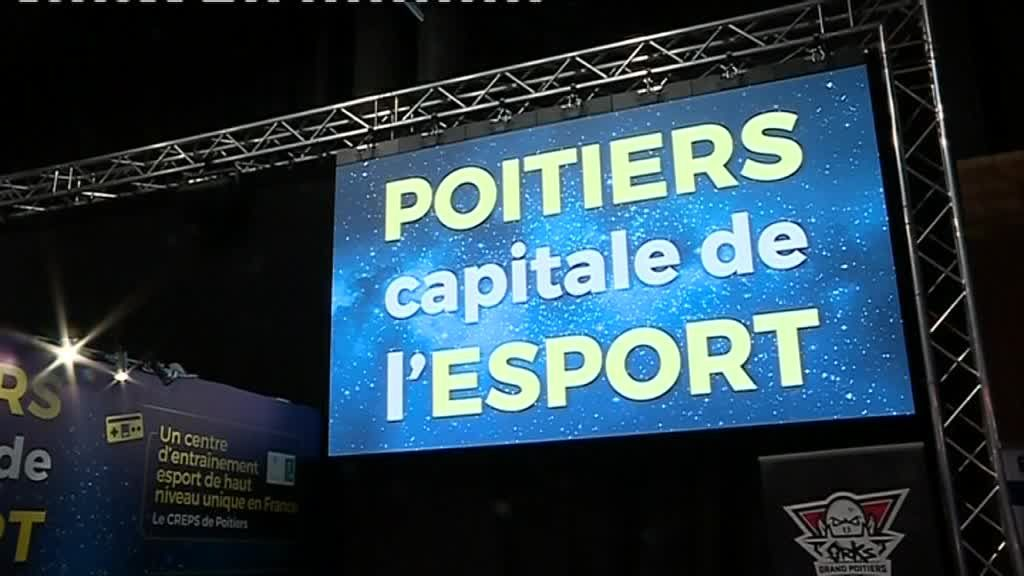 Le stand de Grand Poitiers à la Games Week de Paris. / © France 3