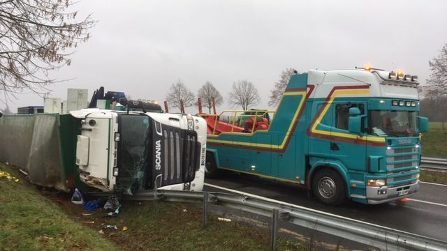 Charente : un camion transportant du bétail accidenté sur la RN10