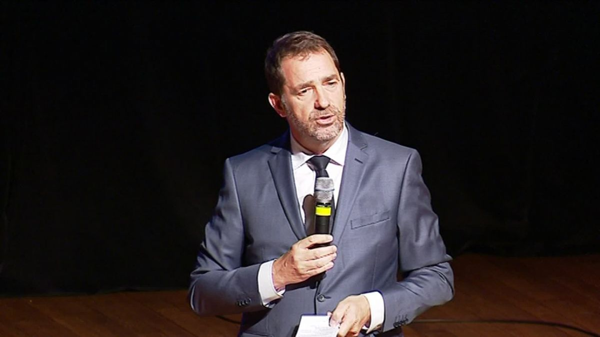 Christophe Castaner invité surprise du meeting En Marche à Châteaubernard