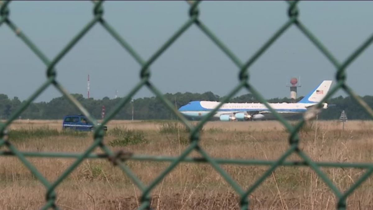 G7 à Biarritz : l'Air Force One de Donald Trump a atterri à Bordeaux sous l'oeil des passionnés d'aviation