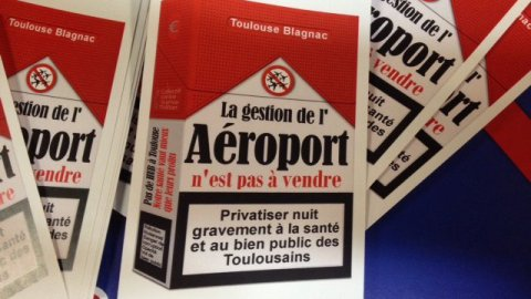 Une manifestation contre la privatisation de l'aéroport de Toulouse-Blagnac