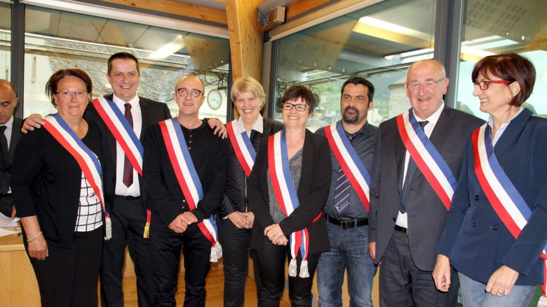 Laurent Suau, maire de Mende avec ses sept adjoints. 10.05.2016 / © Mairie de Mende