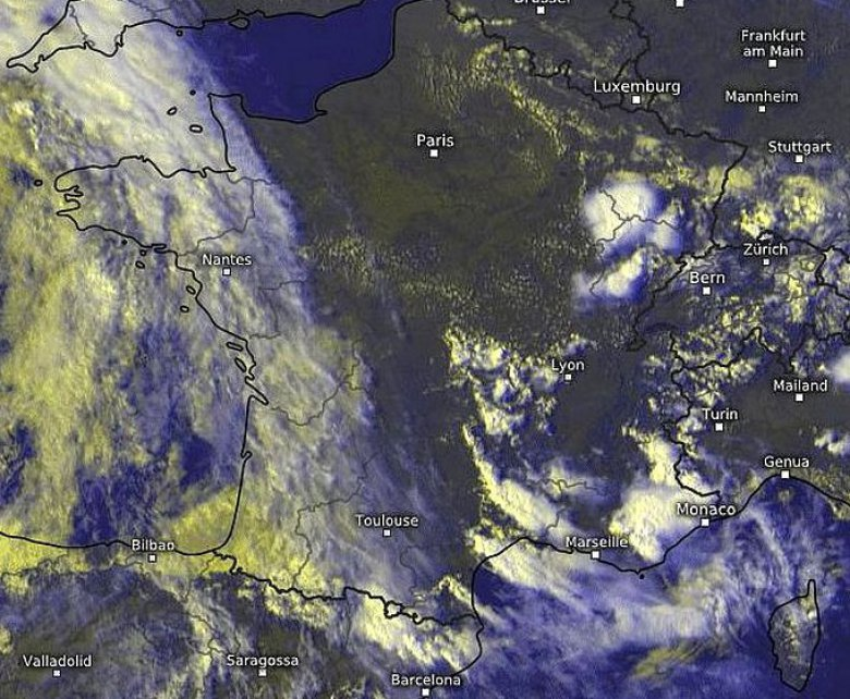 Photo satellite de l'orage de grêle sur la région de Montpellier le 17 août 2016. / © photo satellite eumetsat