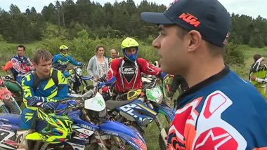 Le quintuple champion du monde d'enduro, Antoine Méo est venu coacher quelques pilotes avant la compétition du week-end - 31 mai 2017 / © France 3 LR