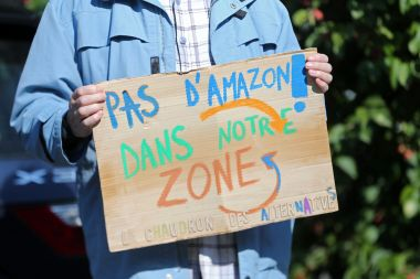 Les associations anti-Amazon se sont réjouit du soutien de la présidente de région (photo d'illustration) / © Vanessa MEYER / MaxPPP