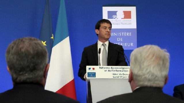Manuel Valls, lors de sa présentation, Place Beauvau. / © AFP PHOTO / JACQUES DEMARTHON