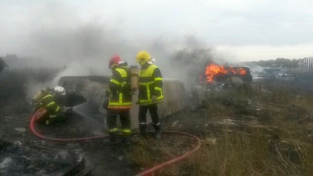 violent incendie dans une entreprise de pia france 3 languedoc roussillon. Black Bedroom Furniture Sets. Home Design Ideas