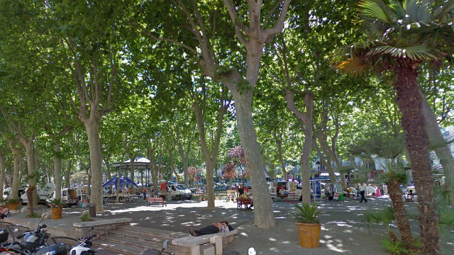 Sète (Hérault) - la place Aristide Briand - archives / © google maps