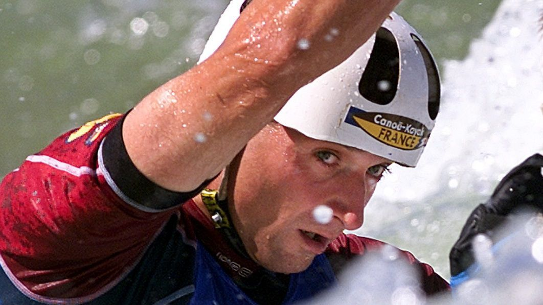Le Tarbais Wilfrid Forgues, champion olympique de canoë, est devenu Sandra Forgues