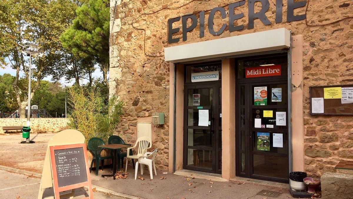 Aude : découverte de l'épicerie-bar associative rurale de Montséret
