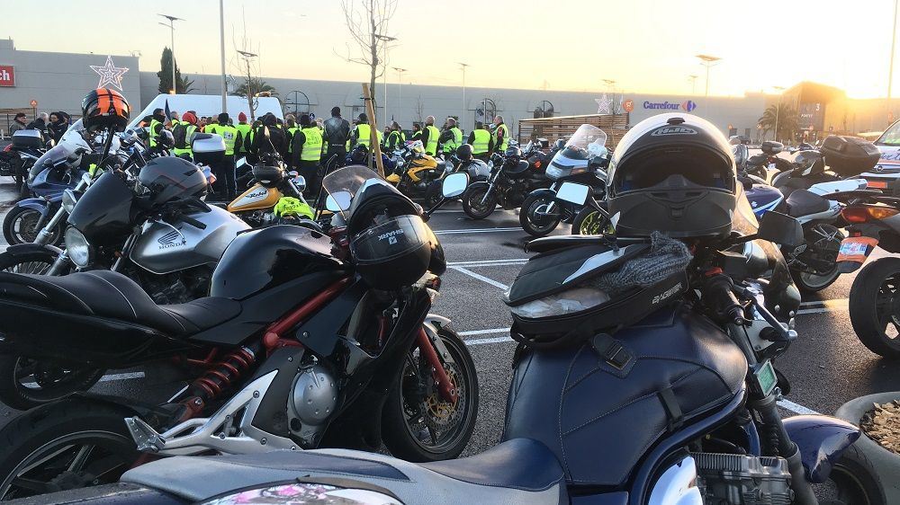 Toulouse : opération escargot des motards en gilets jaunes (et orange)