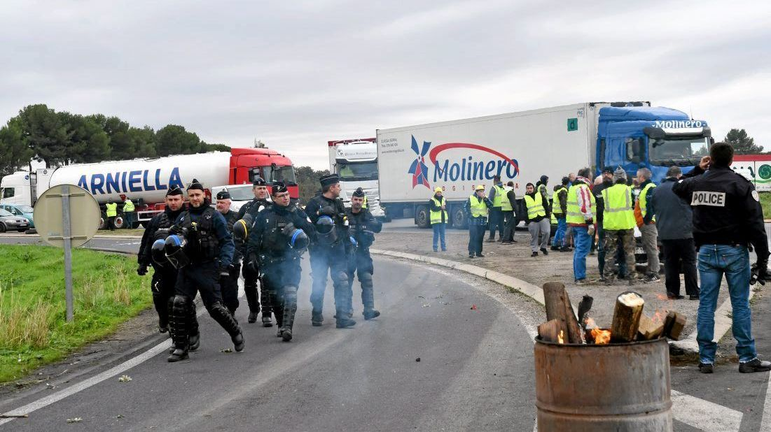 Béziers : Tension et cocktails Molotov lors de l'évacuation d'un rond-point