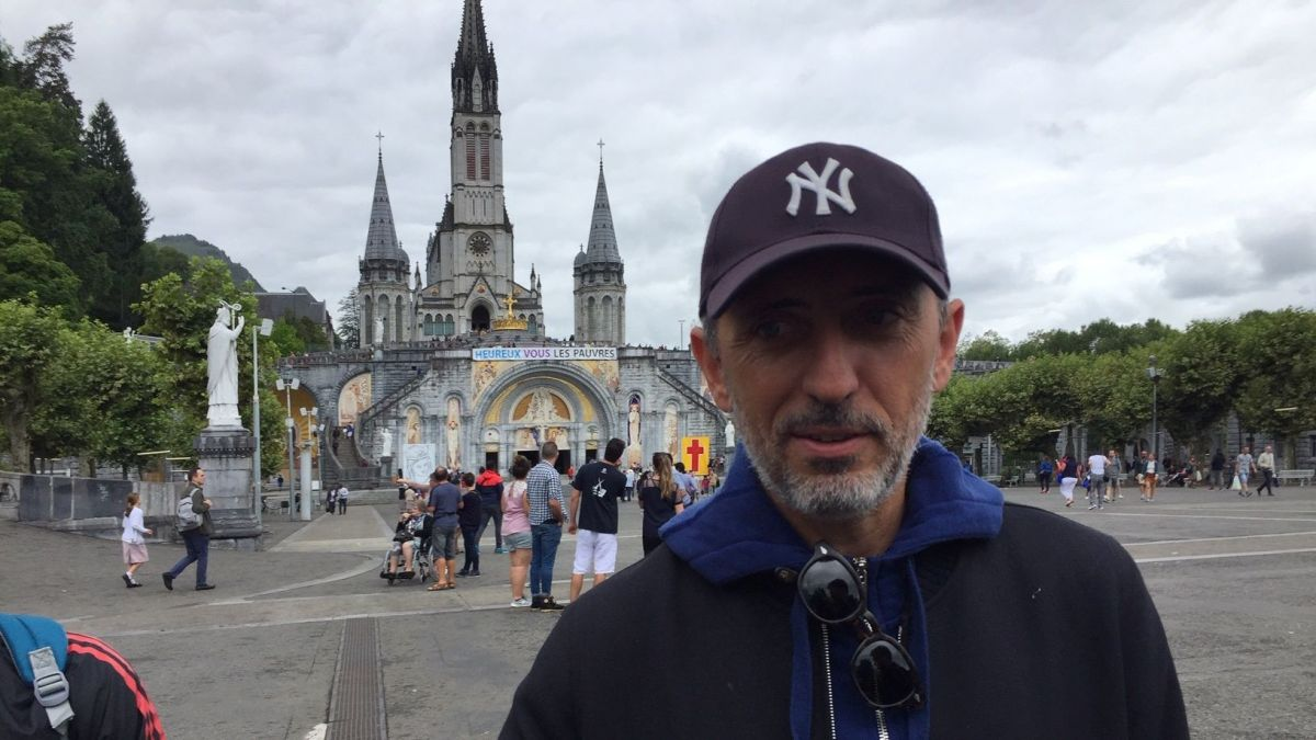 Lourdes : l'humoriste Gad Elmaleh invité surprise du pèlerinage national