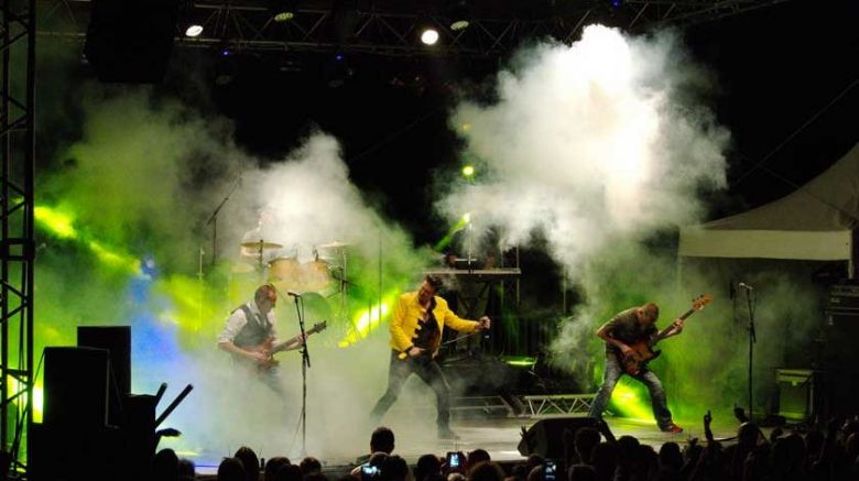 Le groupe explosif CoverQueen / © Roger Lyobard