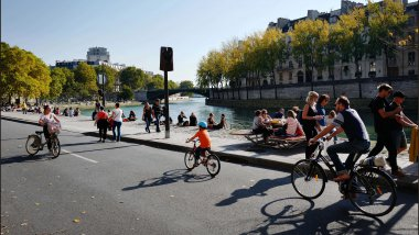 Des cyclistes le long de la Seine. / © IP3 PRESS/MAXPPP