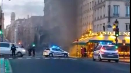 VIDEO : incendie spectaculaire dans le quartier Saint-Michel à Paris
