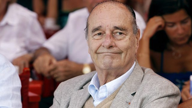 "Hospitalisé, Jacques Chirac ""poursuit son traitement"""