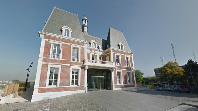 La mairie de Noisy-le-Grand (Seine-Saint-Denis). / © Google Maps