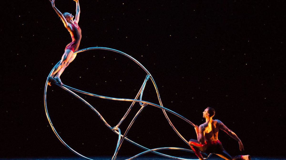 """Le spectacle """"Momix"""". / © Charles Paul Azzopardi"""