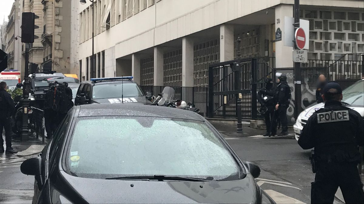 Paris : il retenait sa fille et menaçait de se suicider... un forcené interpellé