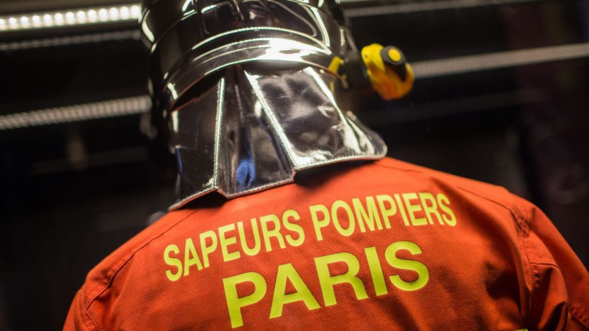 La tenue des pompiers de Paris (illustration). / © MAXPPP