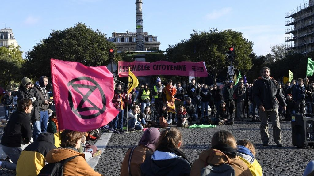 "Paris – Extinction Rebellion va lever ""la majorité"" de son campement place du Châtelet"
