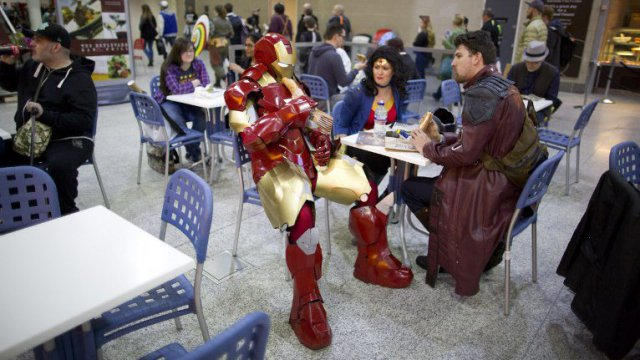 Iron man lors d'une convention au Royaume-Uni. / © JUSTIN TALLIS / AFP
