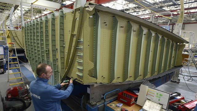 VIDEO. Airbus: la fabrication du caisson central de voilure à Nantes