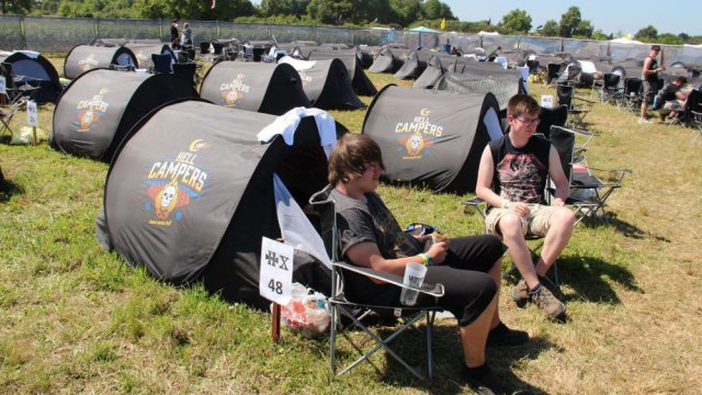 Hellfest 2015 : marre du camping ? Essayez l'Easy Camp...