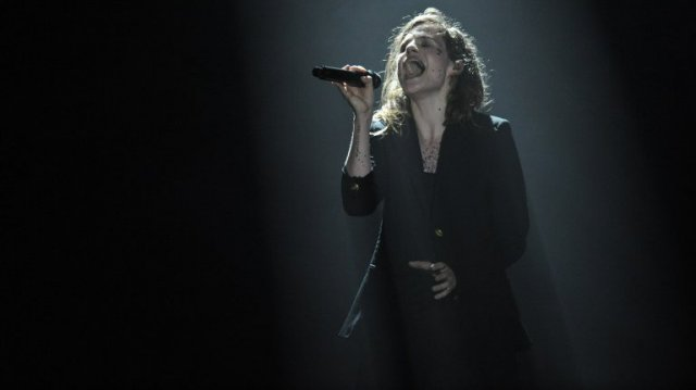"Christine and the Queens : ""je me souviens de toi Carhaix! """