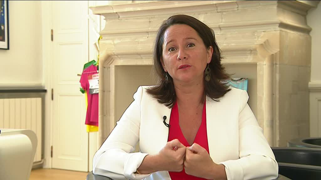 Nantes: Mayor Johanna Rolland talks about migrants in the city ...