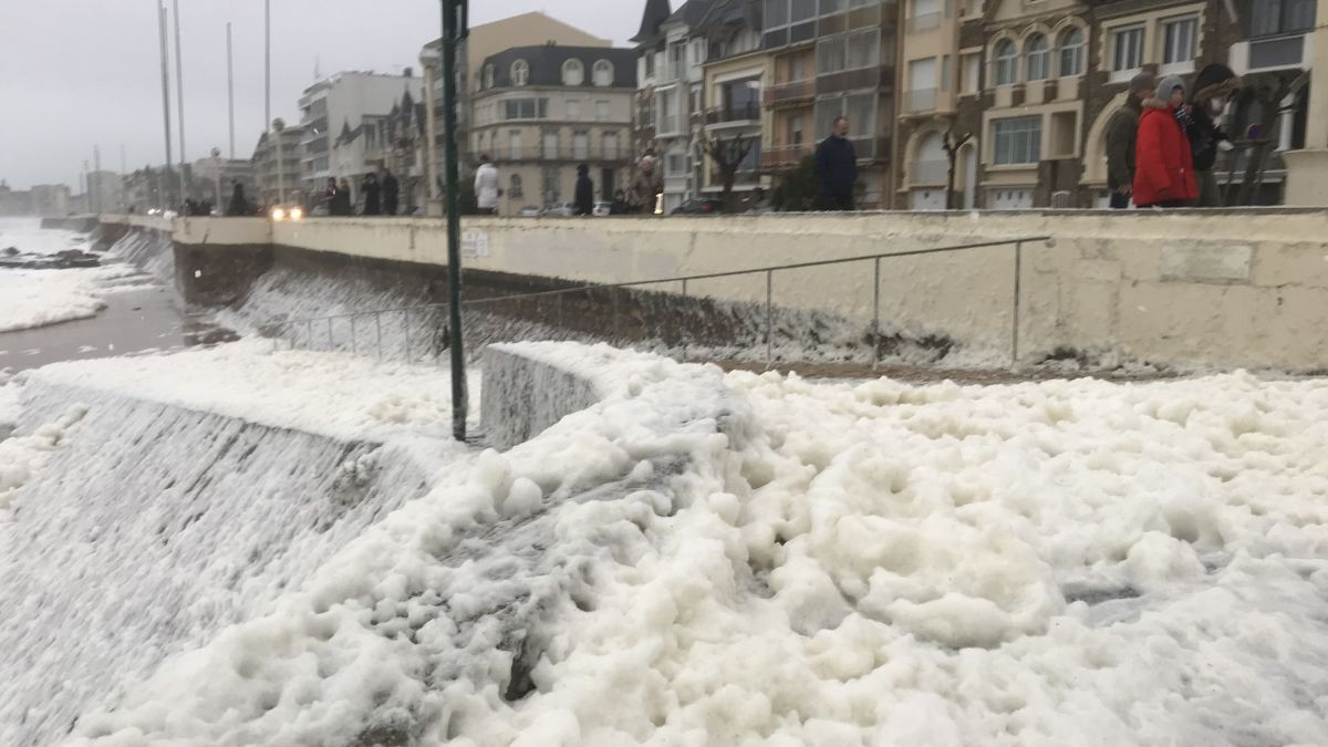 Tempête Ciara : le littoral de Loire-Atlantique reste en vigilance orange vagues submersion