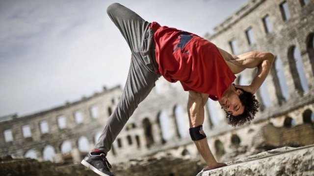 "Khaled ""KC1"" Chaabi 4 fois champion du monde de breakdance © DEAN TREML / RED BULL / AFP"