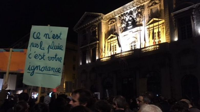 The signs are clear and accompany the protest slogans. / © JMB / France 3 Provence-Alpes