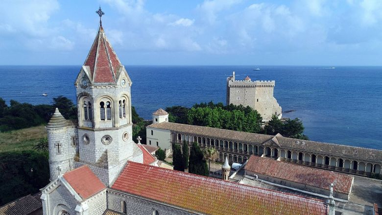 L'abbaye St-Honorat compte 20 moines au total. / © Marc Ollivier / MAX PPP