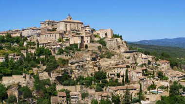 Le village de Gordes, dans le Vaucluse. / © K. Thomas/picture alliance / blickwinkel/K/Newscom/MaxPPP
