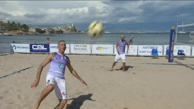 L'attraction du week-end à Antibes se nomme Footvolley / © France 3 Côte d'Azur