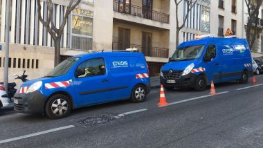 Des techniciens Enedis en intervention boulevard Périer à Marseille. / © Louis Aubert / France 3 Paca