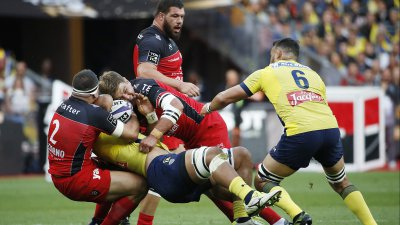 Finale du Top 14 : Clermont l'emporte 22 à 16 face au RC Toulon et décroche son 2nd titre