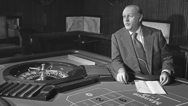 Photo d'archives datant de 1976 de Jean-Dominique Fratoni, ancien PDG du Casino Ruhl de Nice. / © AFP