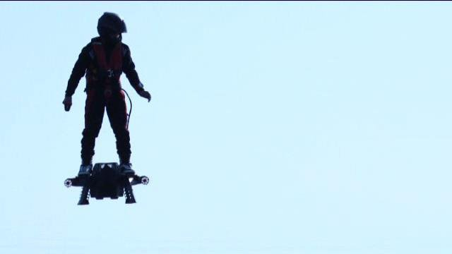 Le Flyboard air avec Franky Zapata