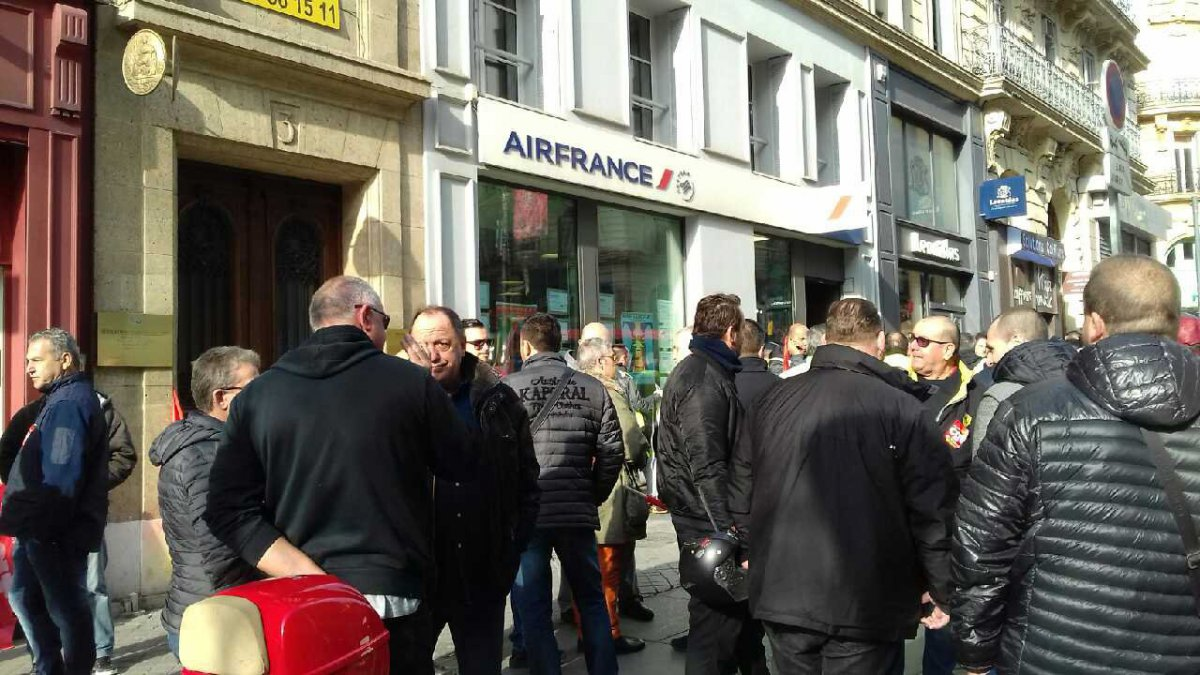 Une centaine d'agents d'Air France en grève à Marseille