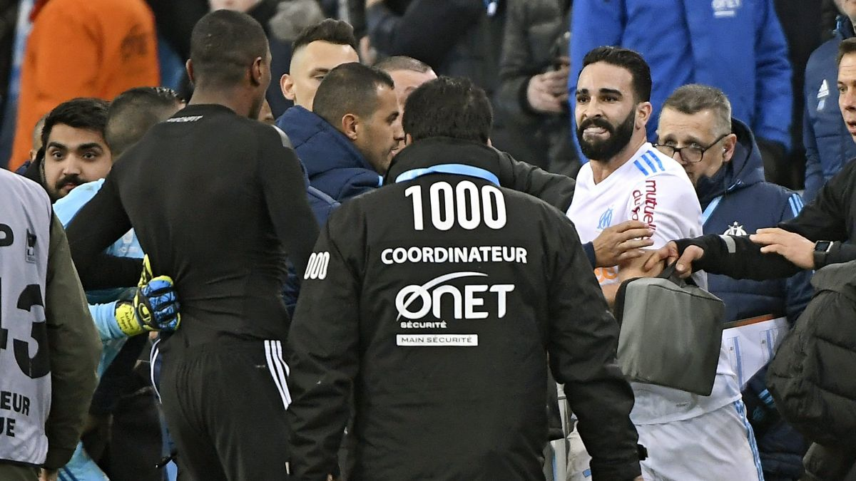 Des supporters indésirables, Marseille s'offusque