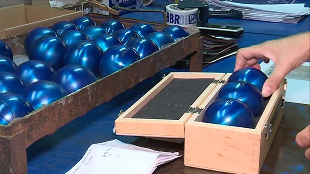 "La légendaire ""boule bleue"" de Marseille / © Photo Emmanuel Zini/France3Provence"